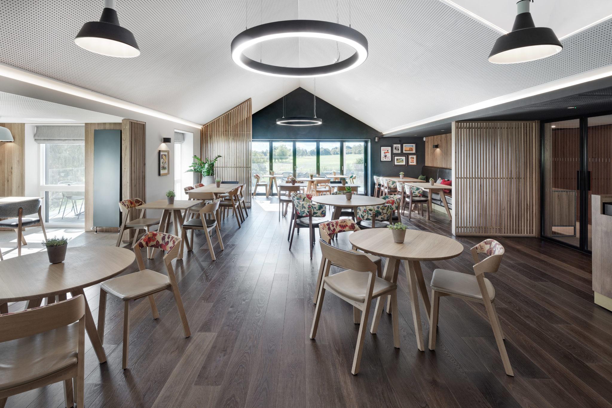 interior restaurant clubhouse